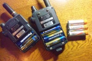 ハンディ機の電池は?